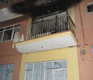 Oturduğu Evi Ateşe Verdi